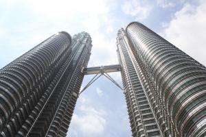 skyscraper-2-1355123-m